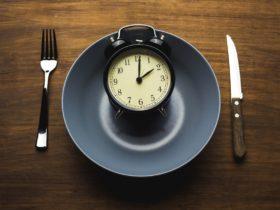 Mahlzeitentiming in der Diät: (Aus-)Wirkung auf Insulinsensitivität & Leberfett