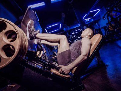 Beinpresse: So schützt du dein Knie vor Verletzungen | Studien Review