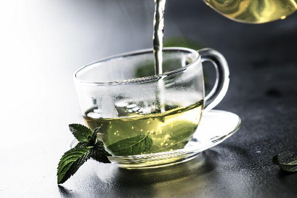 Auch ich muss zugeben, dass mir diese Neuigkeit die Freude am Grünen Tee etwas genommen hat. Die Kirche sollte dennoch im Dorf gelassen werden.