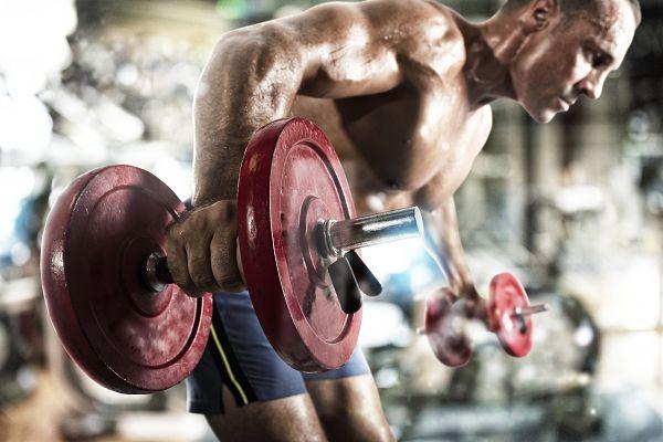 """Der Begrifff """"Intensitätstechniken"""" ist eigentlich falsch gewählt. Korrekter wäre die Bezeichnung """"Overload""""-Methoden. Die verschiedenen Praktiken haben aber nach wie vor ihre Nutzen im Training, wenn es darum geht, Muskulatur aufzubauen."""