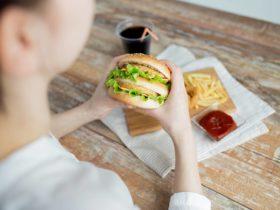 Sucralose: Beeinträchtigt der Süßstoff die Insulinsensitivität, wenn man ihn mit Kohlenhydraten kombiniert?
